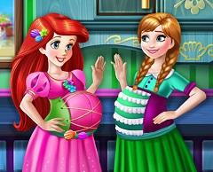 Ariel and Anna pregnant BFF