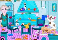 Baby Elsa Kitten Room Cleaning