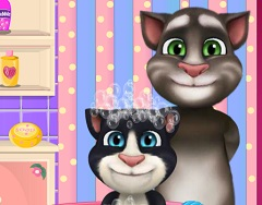Baby Talking Tom and Dad Bath