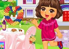 Dora's Valentine Sweet Dress Up