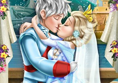 Elsa and Jack Wedding Kiss