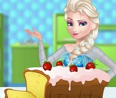 Elsa Baking Cake