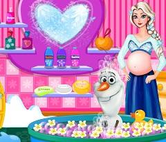 Elsa Pregnant Bathing Olaf