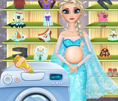 Elsa Pregnant Washing Clothes
