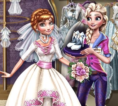 Elsa Preparing Annas Wedding