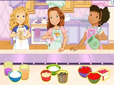 Holly Hobbie and Friends Muffin Maker