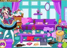 Madeline Hatter Messy Room