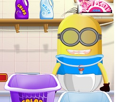 Minion Baby Washing Clothes