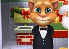 My Talking Tom Christmas Differences