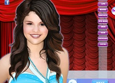 Selena Gomez Dress up