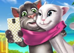 Talking Tom and Angela Selfie
