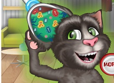 Talking Tom Cat Eye Doctor